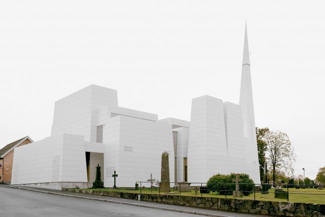 Kościół pokryty porcelaną