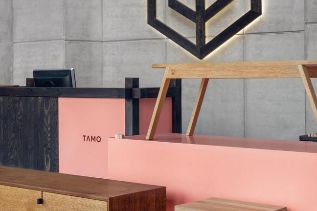 Sekretarzyk TAMO, prawdziwe dzieło Trójmiejskiej stolarni z litego drewna