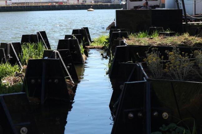 Pływający park z recyklingu