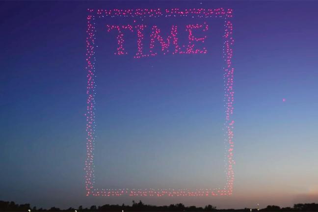 """Zjawiskowa okładka """"Time"""" stworzona przy użyciu 958 dronów"""