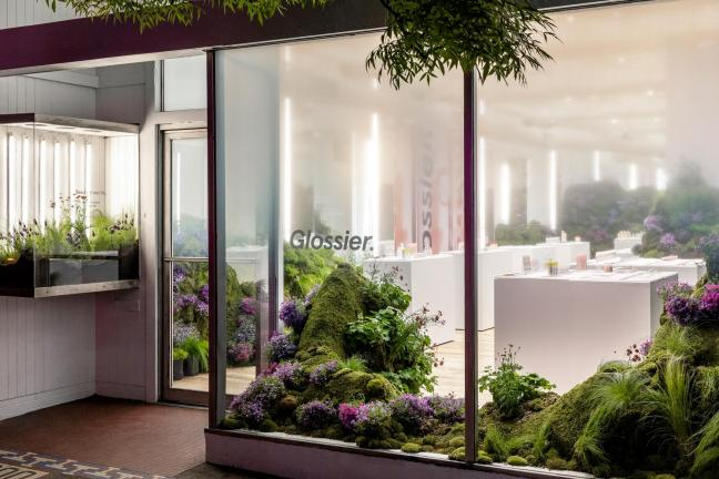Nowy pop-up Glossier