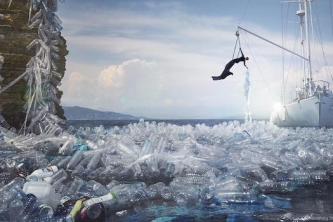 Ile plastiku wpada do oceanu przez 60 sekund?