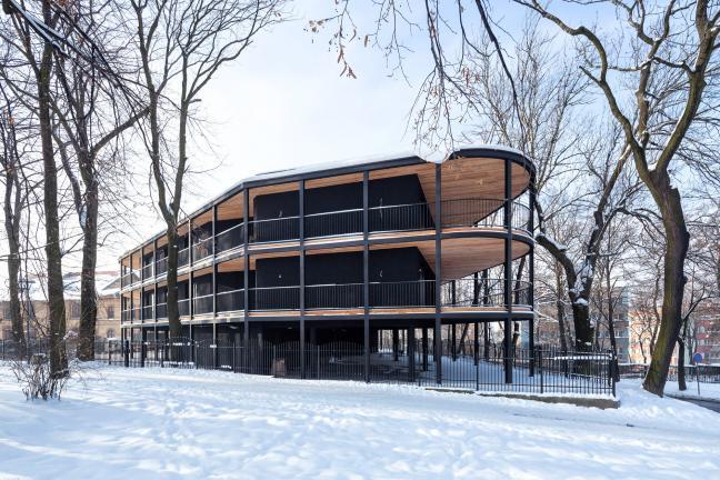 Apartamentowiec w Parku Redena