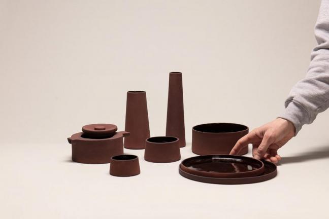 Naczynia wykonane z industrialnego odpadu