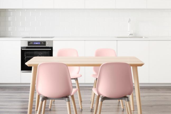 IKEA opracowała serię mebli składanych bez narzędzi