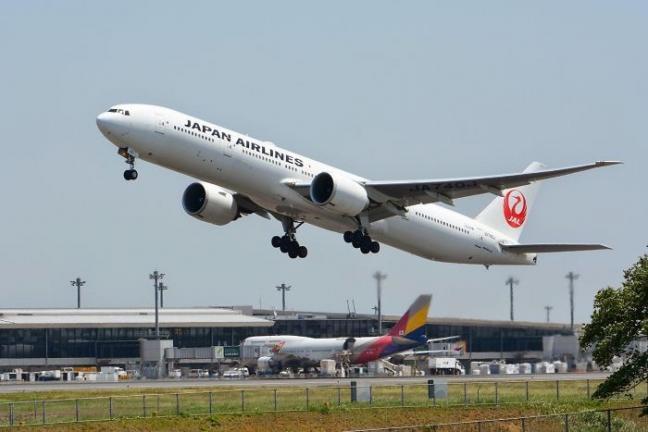 Japan Airlines wprowadza możliwość wybrania miejsca z dala od małego dziecka
