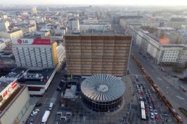 Koniec z wielkoformatowymi reklamami w Warszawie?