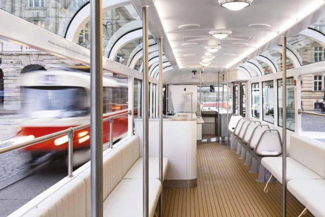 Retro-tramwaj w nowoczesnym wydaniu