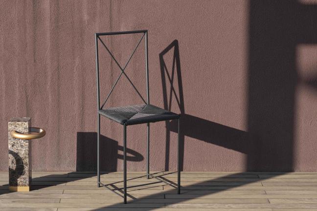 Flexform otwiera sezon ogrodowy specjalną wersją kultowego krzesła Moka