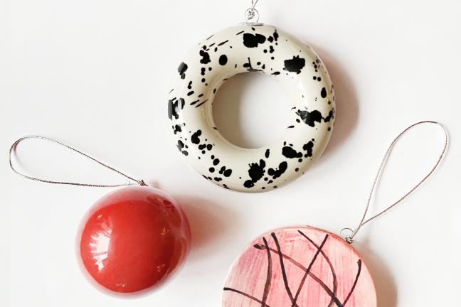 Polski dizajn pod choinkę i na choinkę – świąteczny prezentownik