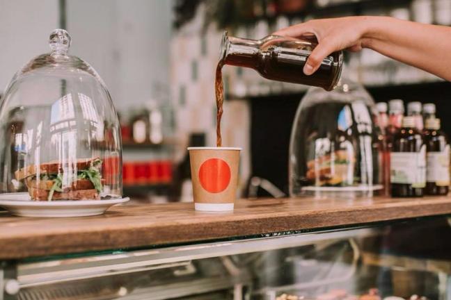 Pierwsza w Polsce kawiarnia bez papierowych kubków na wynos