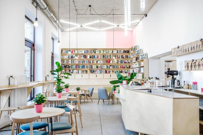 Kawa i książki – czego chcieć więcej?