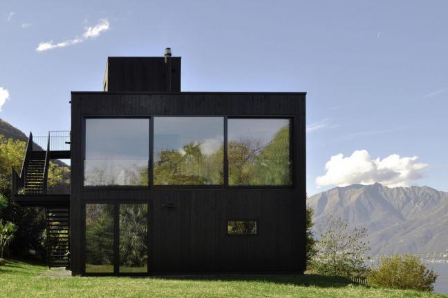 Mountain house at the lake