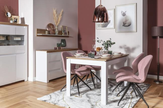 Stół z różnymi krzesłami – jak połączyć kolory?