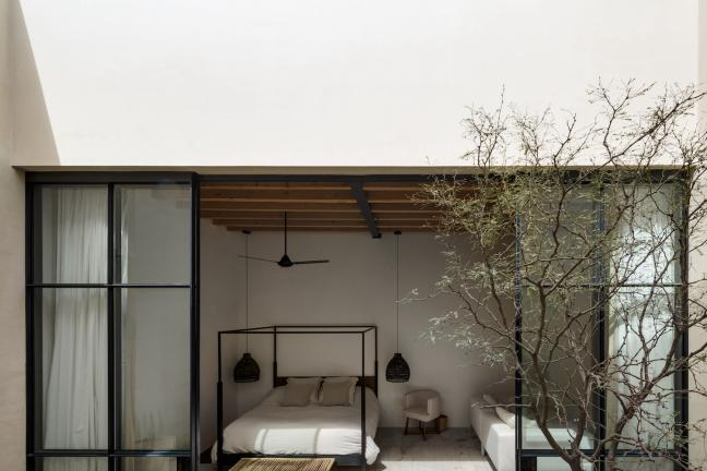 Weekend house with an idea