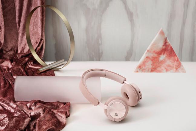 Bang & Olufsen: klasyki dźwięku i designu w odcieniach różu