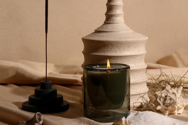 Świeczka, która pachnie niczym projekty Franka Lloyda Wrighta