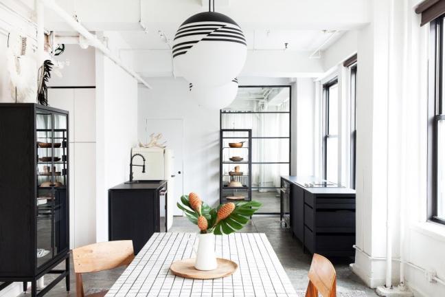 Nowojorski loft w czerni i bieli