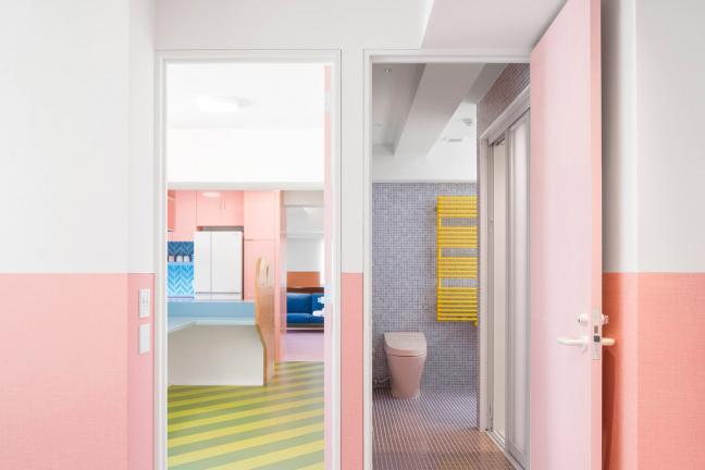 Kolorowe mieszkanie w Tokio