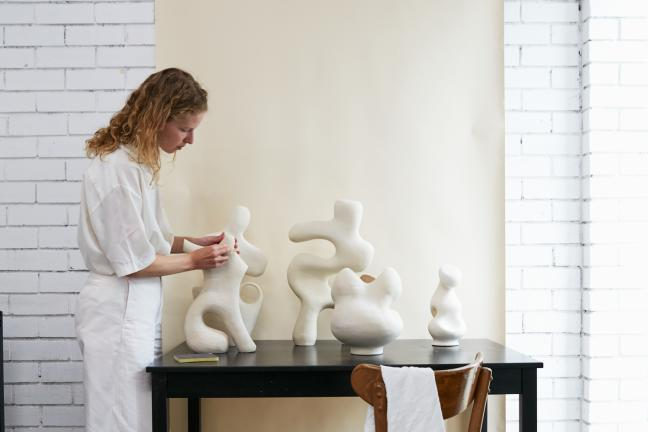 Her stories: Ceramiczne rzeźby Tatsiany Shevarenkovej