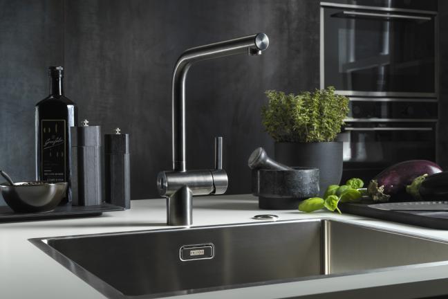 Bezdotykowe odkręcanie wody we własnej kuchni