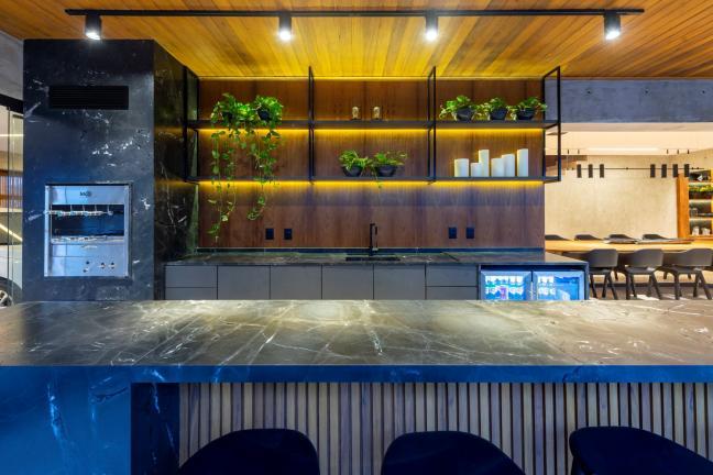 Minimalistyczny penthouse