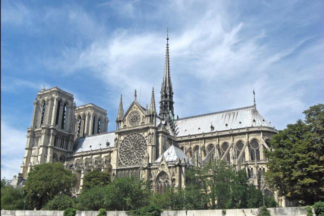 Polski architekt weźmie udział w konkursie na odbudowę Notre Dame