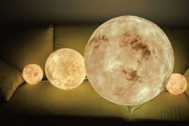 Księżycowa lampa LUNA