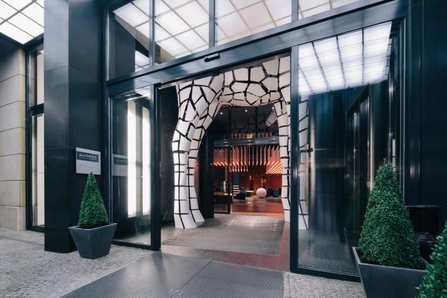 Bajkowy hotel w stylu Bauhausu